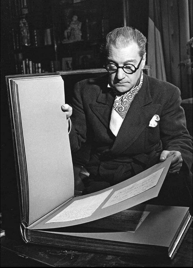 1942. Саша Гитри, Париж