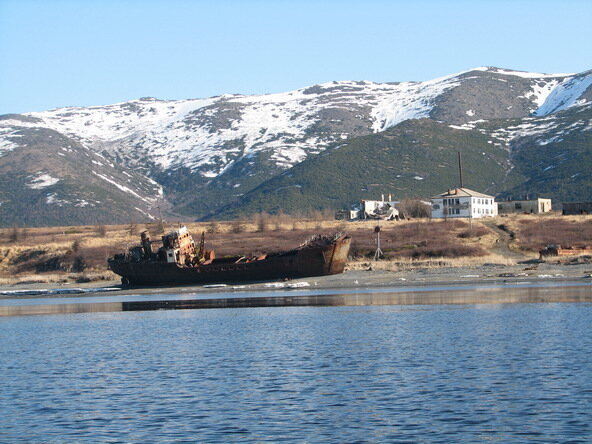 выброшенный корабль.jpg