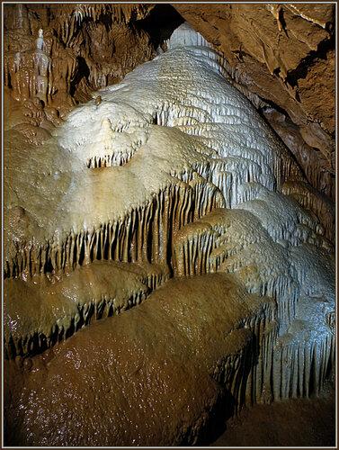 Лишь здоровым людям доступны тайны пещер...