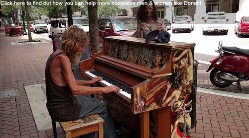 Уличное пианино, как способ жить по-другому