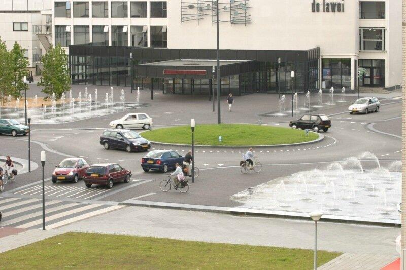 Драхтен. Голландский город без светофоров