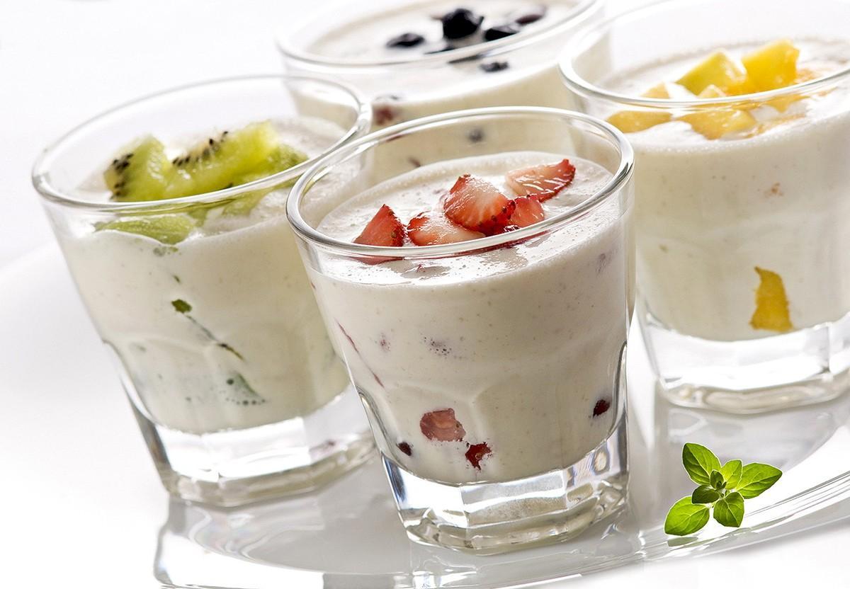 4. Йогурт Может показаться странным, что в этом списке оказался йогурт, ведь сколько реклам твердит