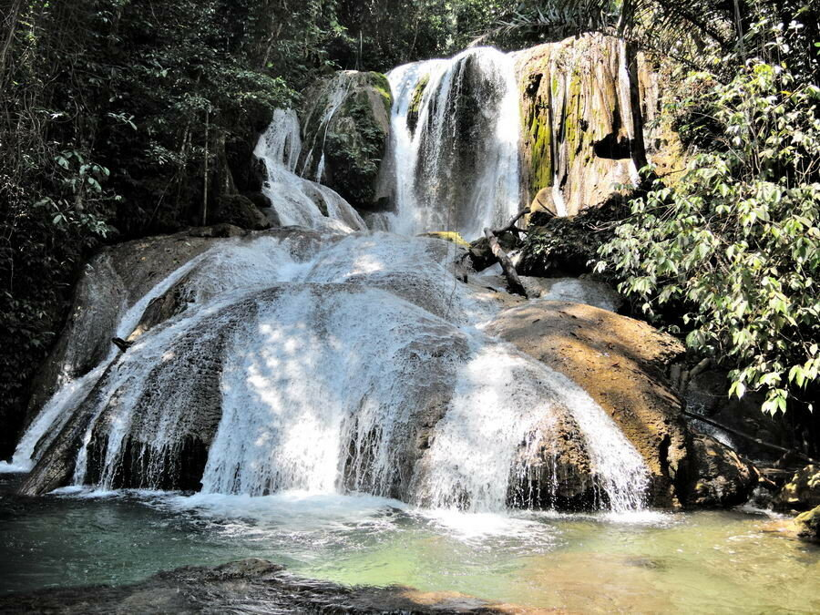 Air Terjun Saluopa