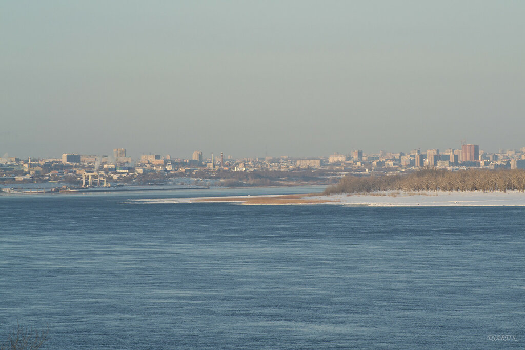 Волга и вид на город