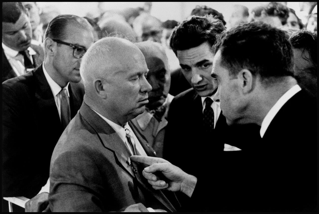 1959. Советский Союз, Москва. Никита Хрущев и Ричард Никсон