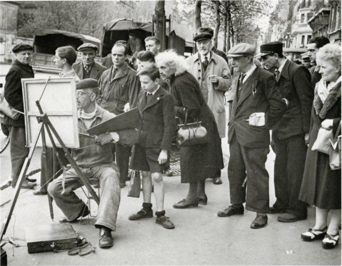 1945. Уличный художник. Париж