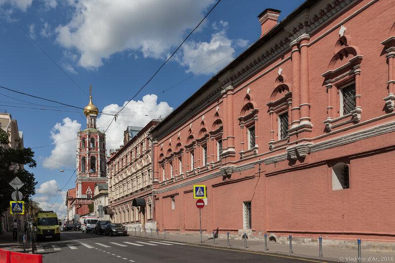 Нарышкинские палаты. Высоко-Петровский монастырь.
