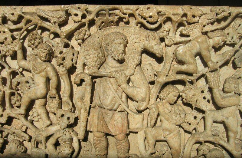 Саркофаг со сценами сбора винограда