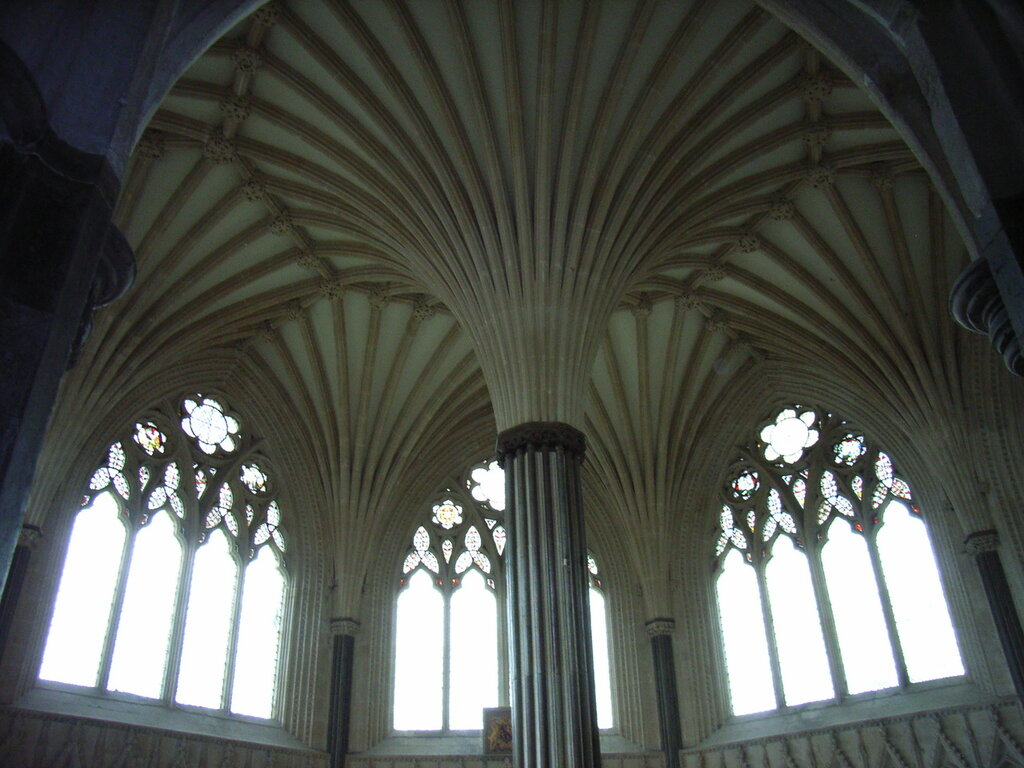 Wells_cathedral_chapter_house.JPG
