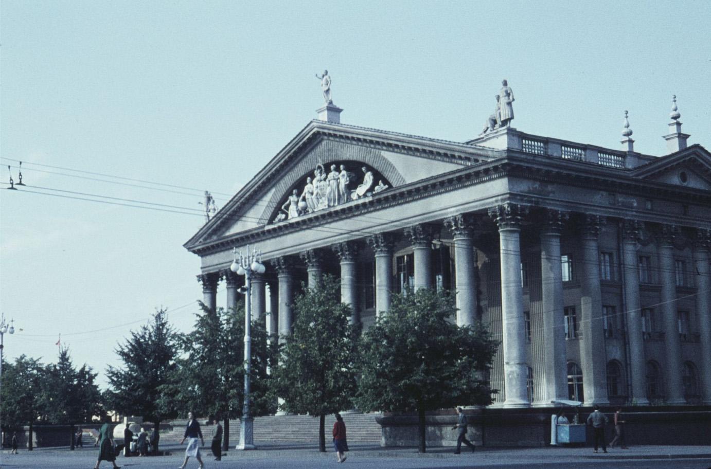 Минск 1961 театр.jpg