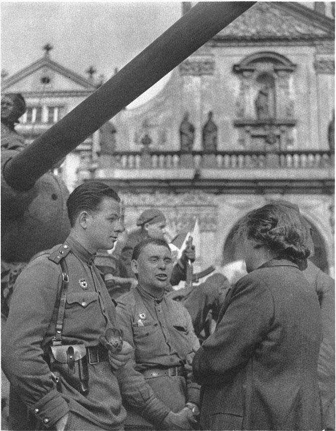 Osvobozhdenie-Pragi-Krasnoj-Armiej-61-foto