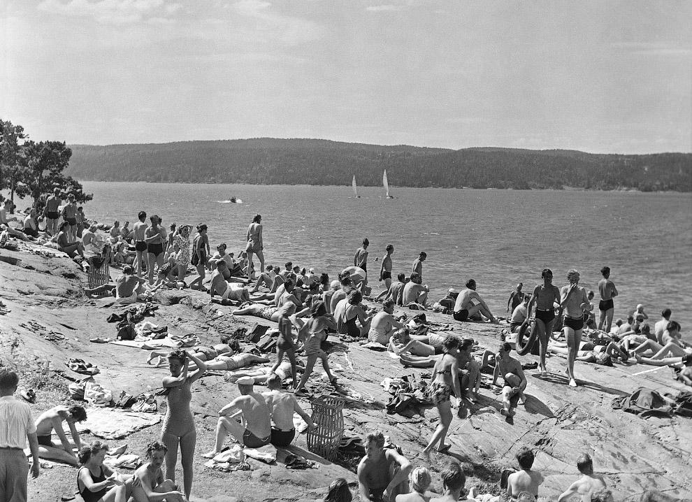 8. Город Олесунн на западном побережье Норвегии в 1902 и 2011 годах. Нажмите, чтобы увидеть изменени
