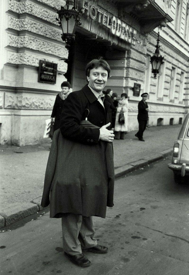1976. А.Миронов возле гостиницы Одесса на Приморском бульваре