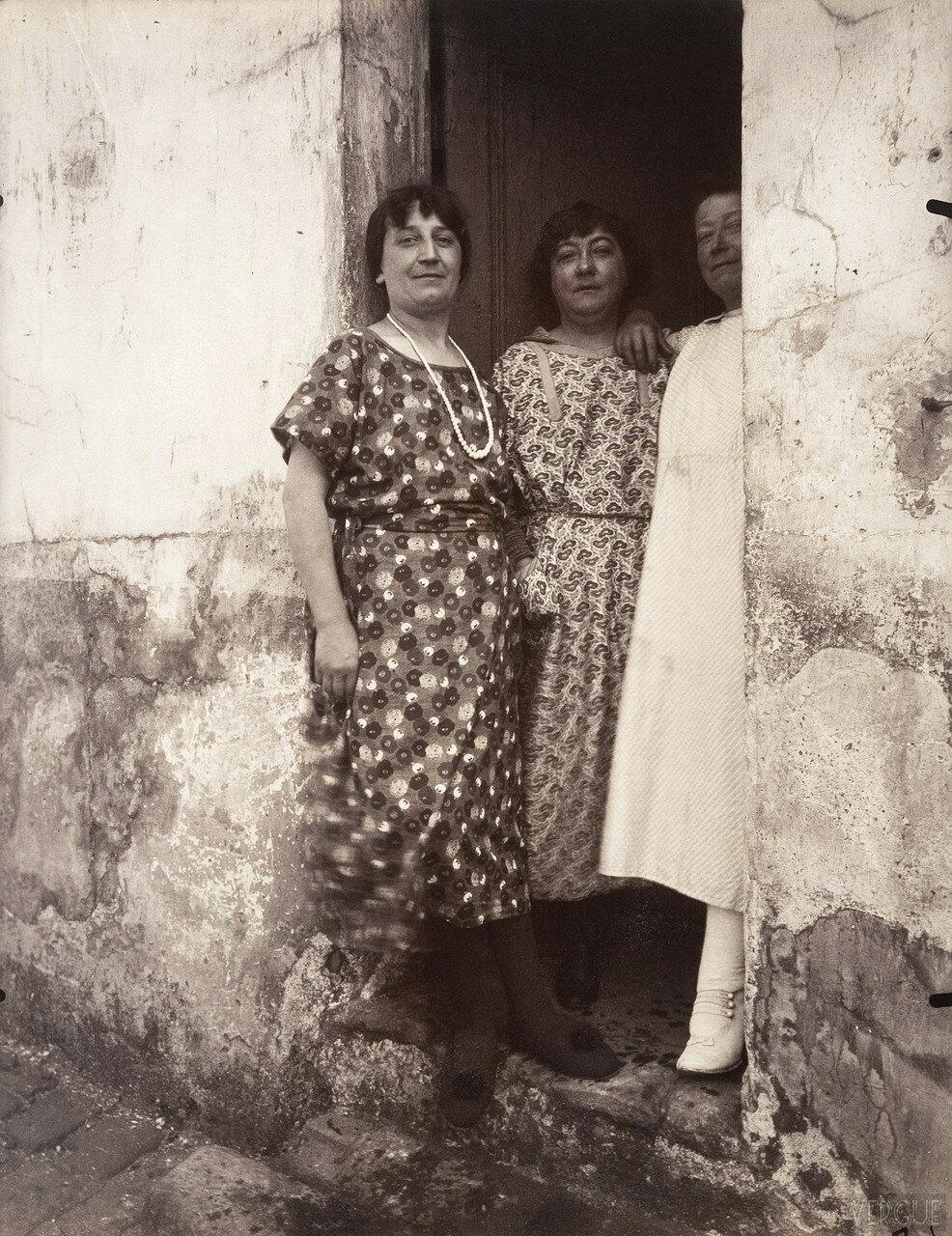 1925. Проститутки с улицы рю Асселин
