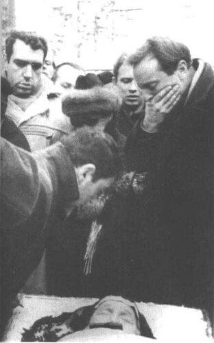 Похороны Анны Ахматовой. 10 марта 1966 года. Фото Б. Шварцмана.