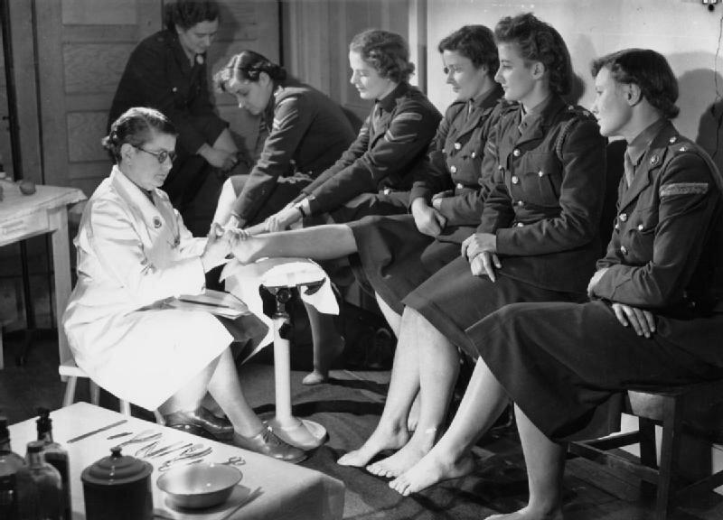 At_An_ATS_Motor_Transport_Company_Training_Centre,_Camberley,_Surrey,_1941_D5728.jpg