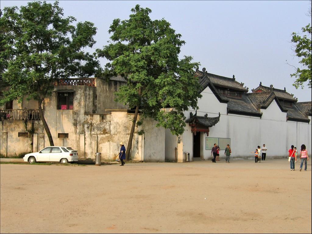 Монастырская стена, монастырь Гуйюань, Ухань