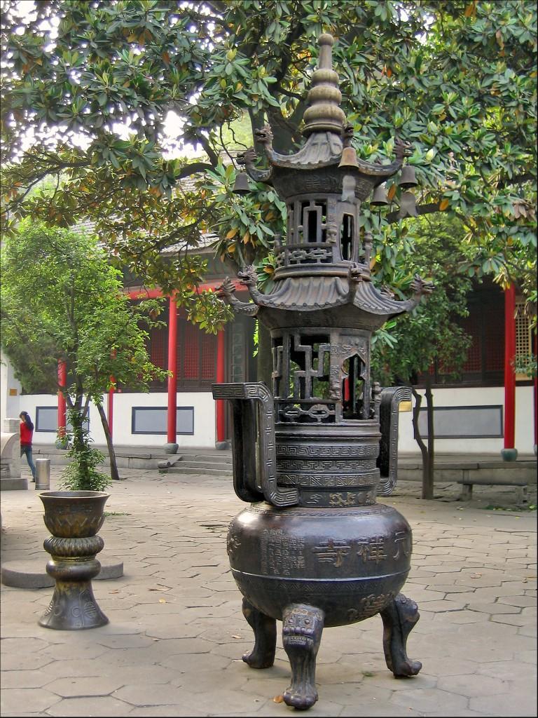 Курильница, монастырь Гуйюань, Ухань