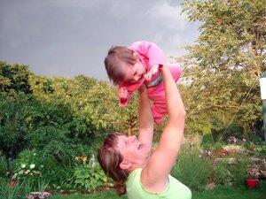 Белые пятна у детей на руке фото