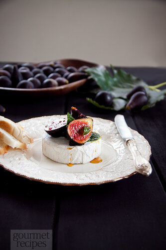 marinated figs and brie
