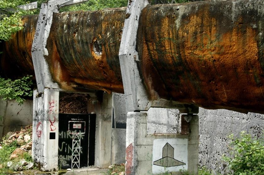 Как сейчас выглядит бобслейная трасса в Сараево после Олимпиады 84 0 141aa5 496a4390 orig
