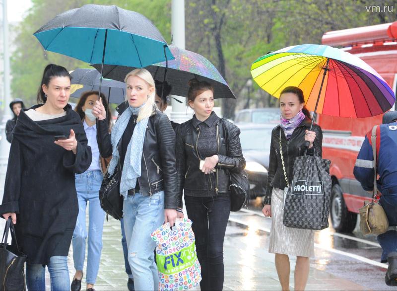 Гидрометцентр обещает вторую волну урагана в столице России