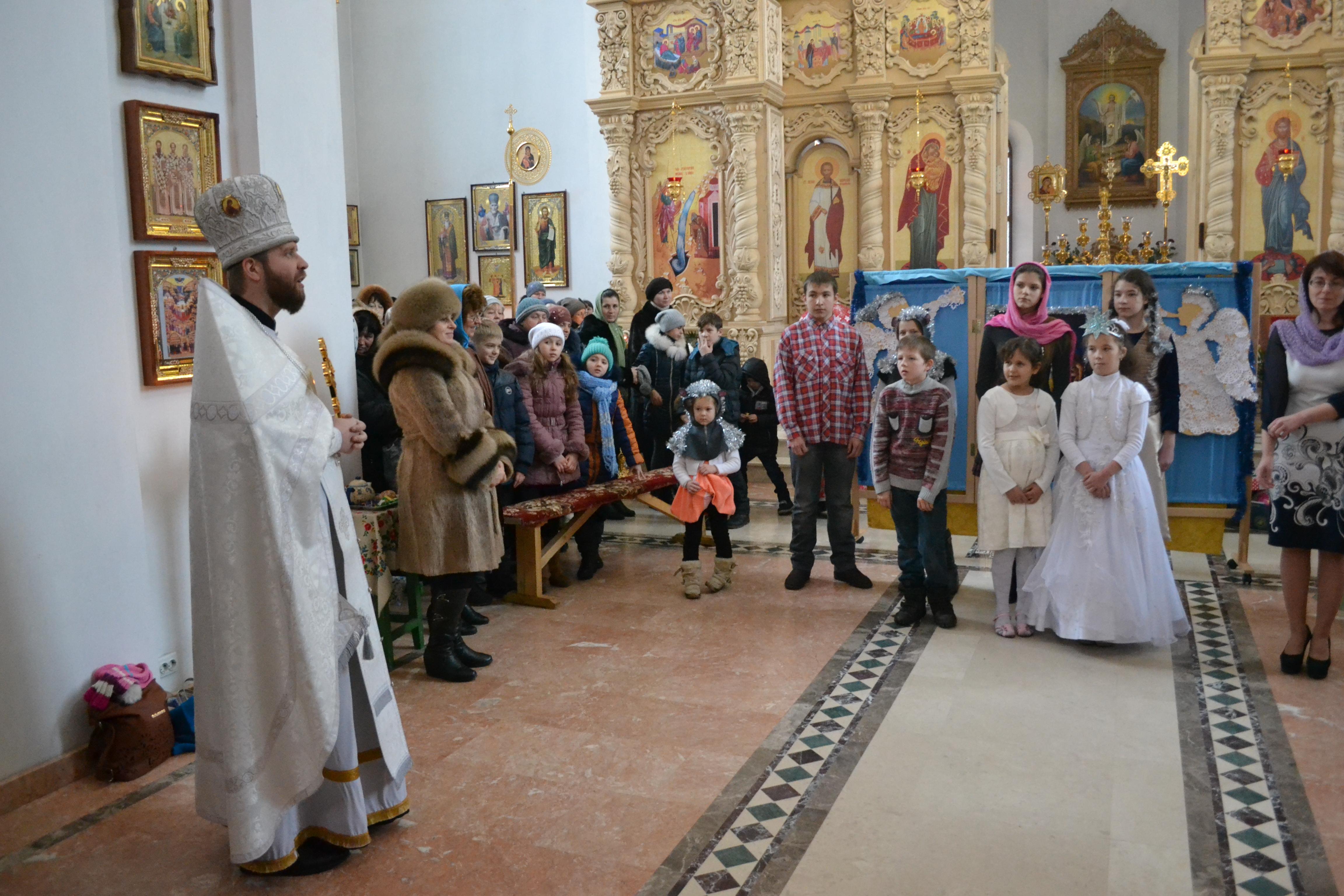Поздравление с рождеством от священников