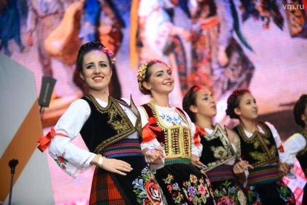 Москва, День города, сербский танец