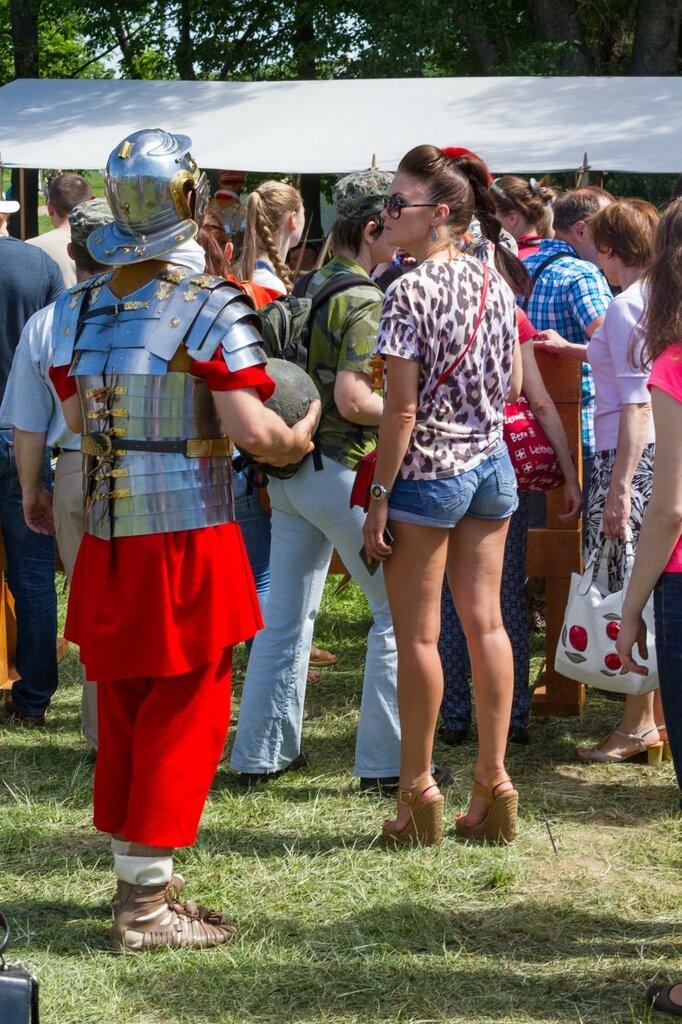 Римлянин и девушка, Времена и эпохи-2015, Коломенское