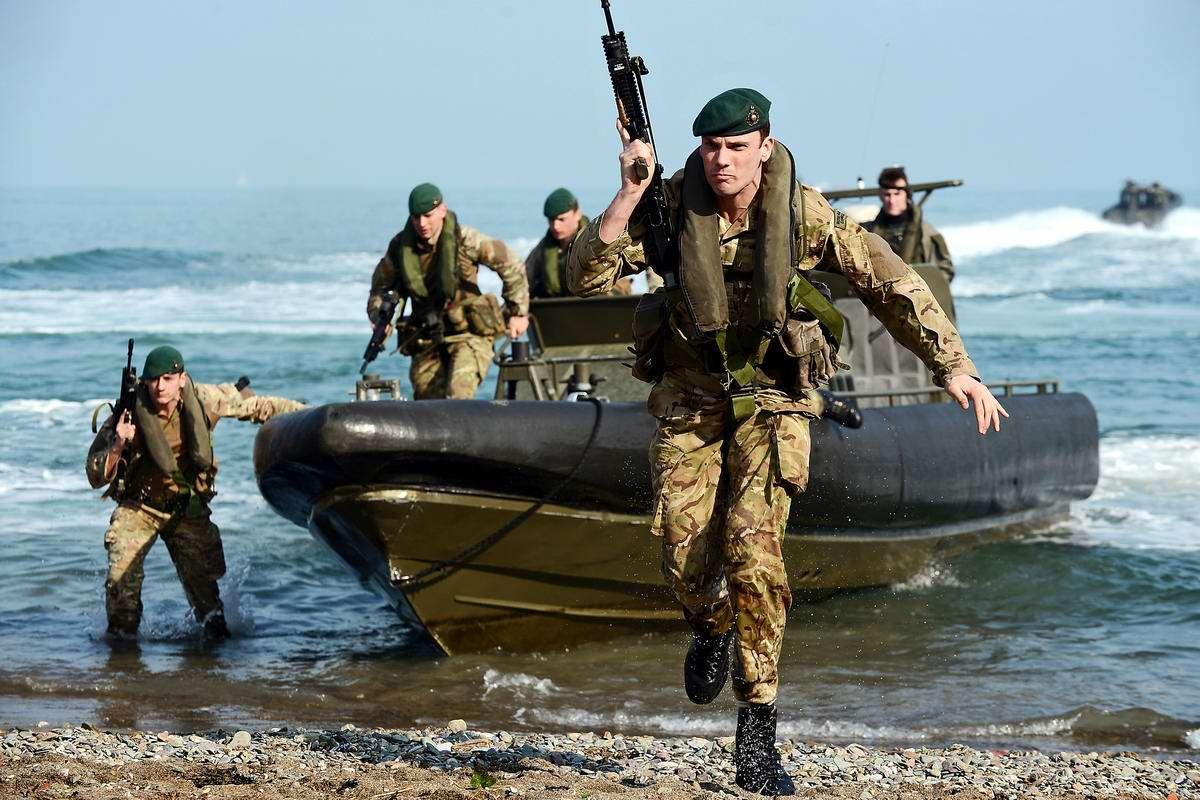 На учебном поле брани: Картинки из жизни бойцов различных спецназов (21)
