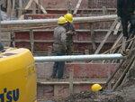 На стройке павильона России работают более 300 рабочих