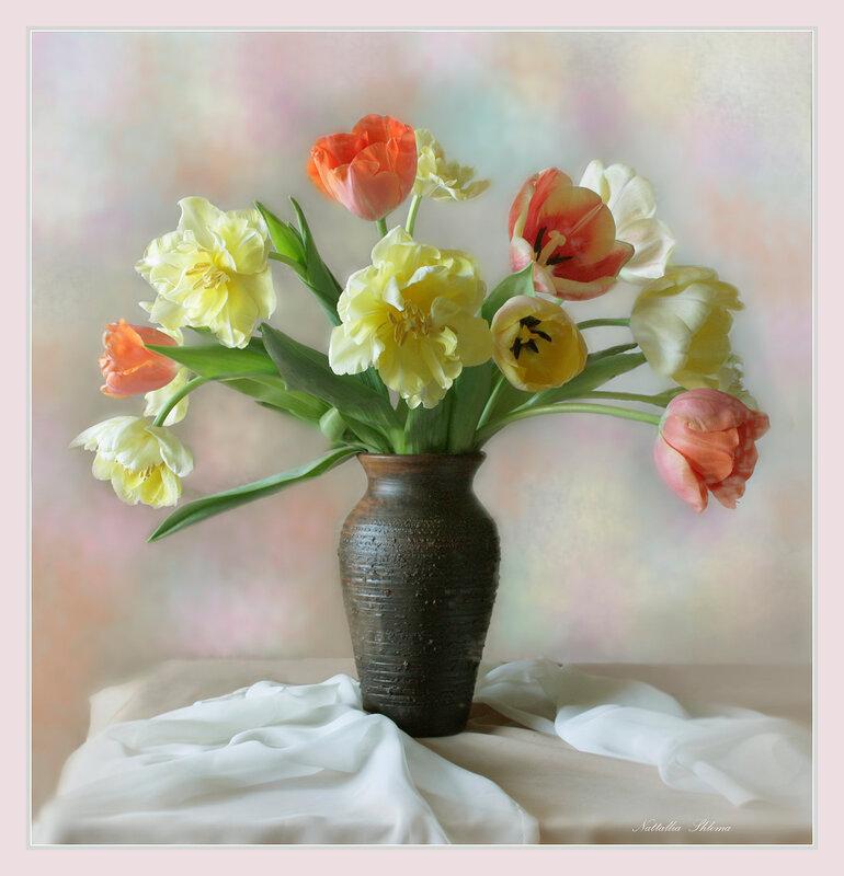Тюльпаны в вазе -2