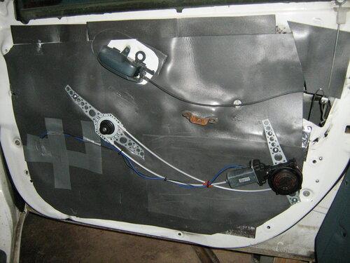 Устанавливал одноклубнику электрические стеклоподъёмники SPAL.  Набор подъёмников универсальный, и может быть...