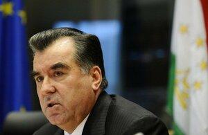 Граждан Таджикистана призывают запасаться продуктами