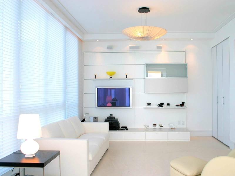 Белый цвет в интерьере гостиной, фото 17
