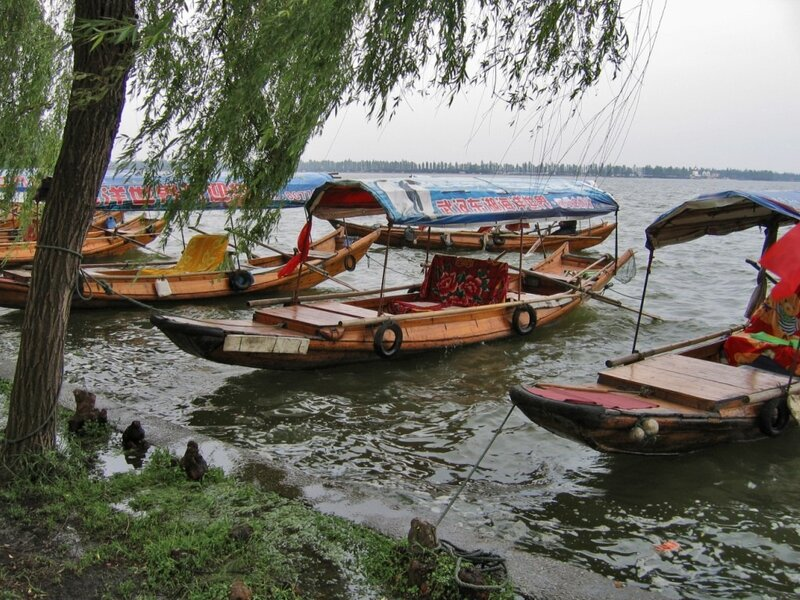 Лодки, озеро Дунху, Ухань