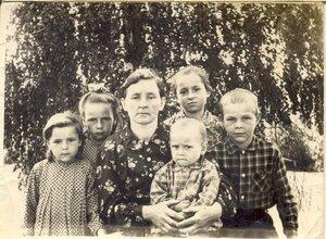 Семья Аделевых из деревни Болотня