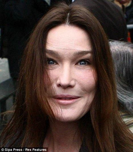 Карла Бруни известна всем как певица, бывшая модель и жена Николя...