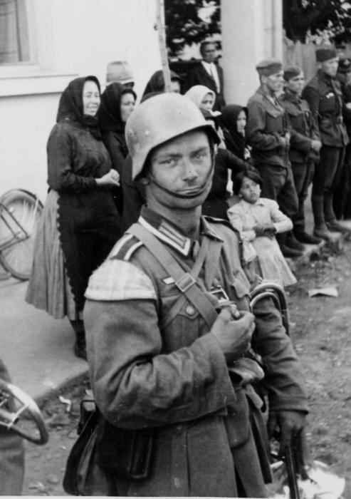 смешные немцы фото ложь пропагандистов простестах