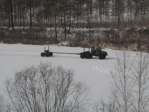 автомобильное движение по льду замерших рек в Забайкалье