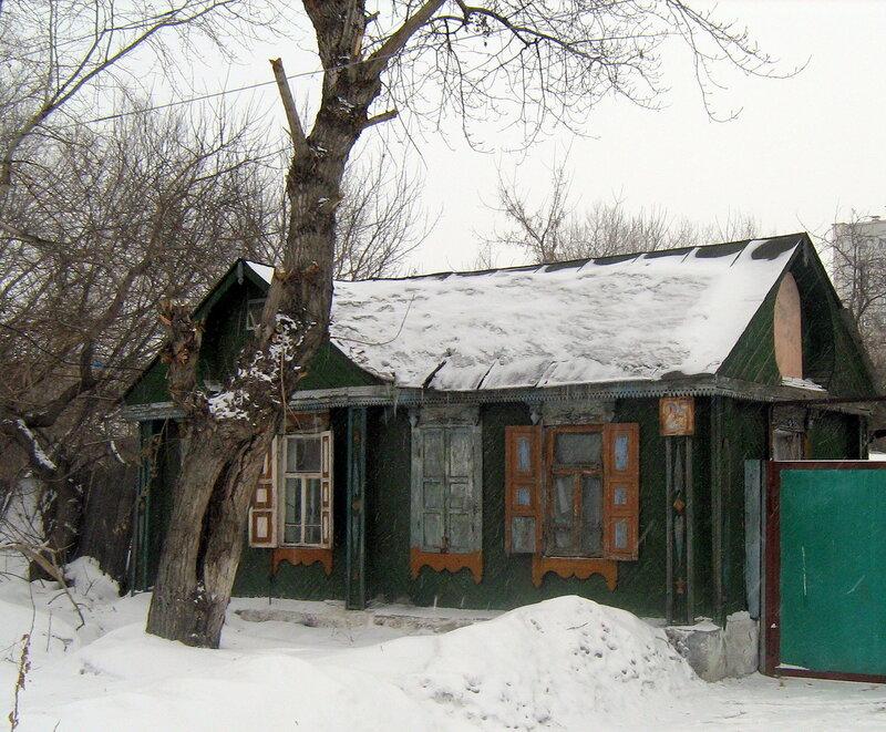 Старые дома на улице Красноармейской