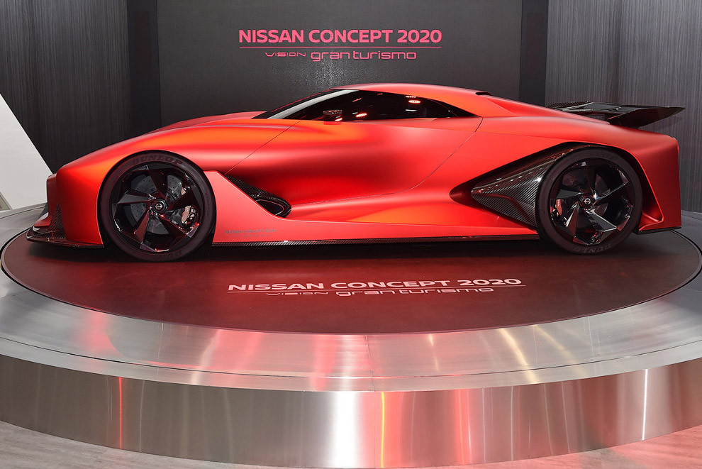 Судя по агрессивному виду, похожего на боевой истребитель автомобиля, характеристики машины обещают