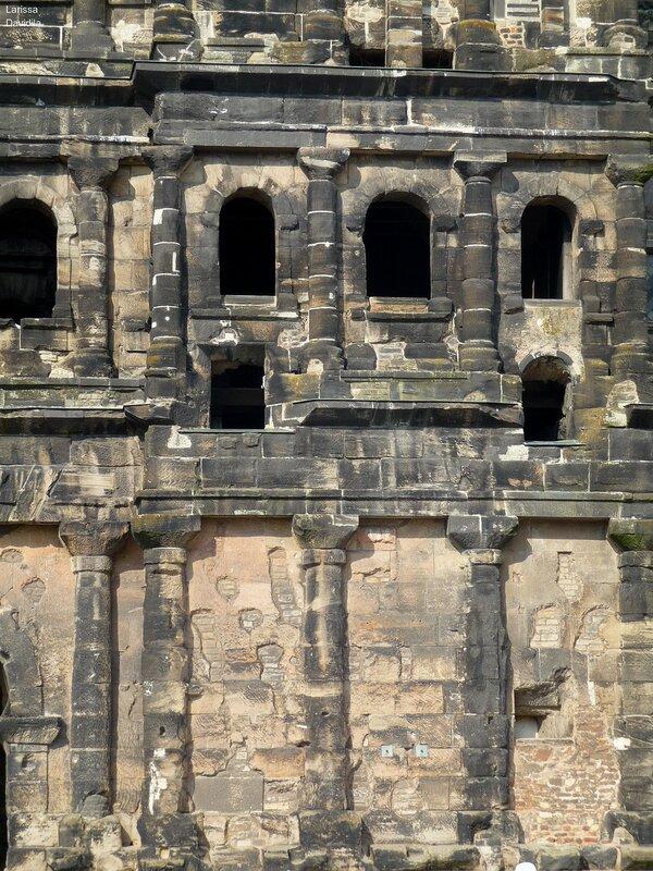 Trier-26-8-2009 (219) Porta Nigra - Чёрные ворота.