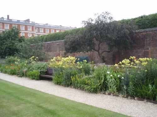 Укромный уголок, Hampton Court
