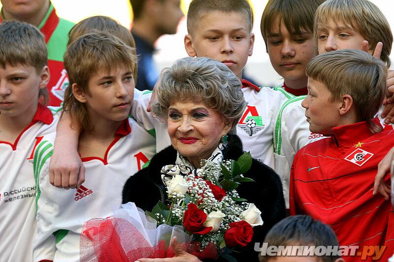 Ученица Григория Конского Валерия Бескова - актриса театра и кино, жена знаменитого футбольного тренера