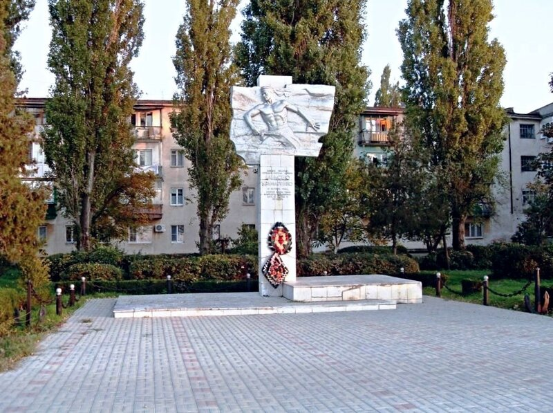 Памятник Алексею Крамаренко ... SDC16203