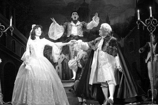 Finalinė operos scena: Raminta Vaicekauskaitė (Rozina)