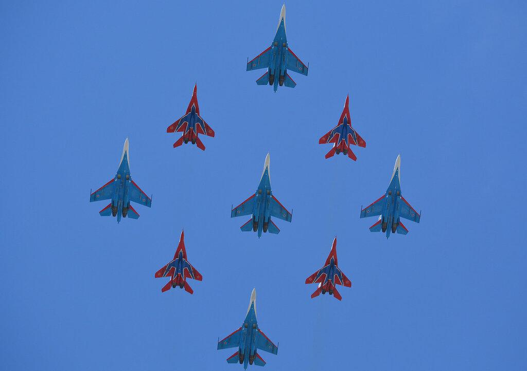 Parad29_Su_MiG.jpg