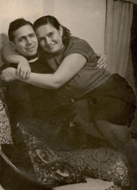 Папа с мамой. Юрий и Нина Садальские. Октябрь 1958 года.