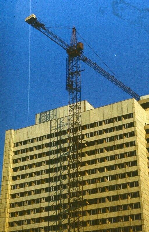 """Строительство гостиницы """"Турист"""" на пл. Маркса"""